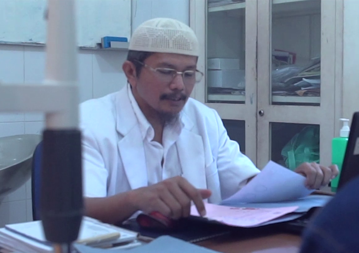 Dr. MUSHLIH, Sp.M
